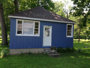Long Beach Lake Erie Cottage, private, sandy beach,plus bunkie