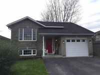 Appealing Open Concept Bungalow - 50 Liddle Lane