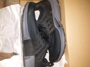 Brand new Nike presto essential grey and black US10