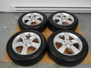 4 pneus d'été 205/55/R16 CONTINENTAL sur mag HYUNDAI ELANTRA
