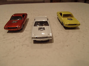 3 LOOSE Hot Wheels 1970 Dodge Challenger 1:64 scale diecast car. Sarnia Sarnia Area image 8