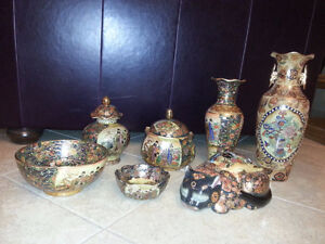 Vase et bols chinois varié en Or -Chinese vases + bowls  in gold