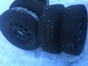 FORD F150  ( HIVER 4 PNEUS HIVER 18´´ COMME NEUF + 4 JANTES 18'´
