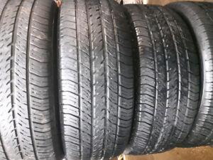 4 pneus été 215/60R16 Michelin.