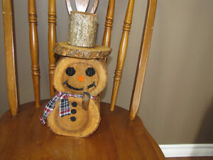 HAND MADE WOOD SNOWMAN WITH PIPE Belleville Belleville Area image 1