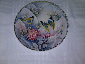 COLLECTOR Plate - Lovely Garden of Satin Wings - 1992