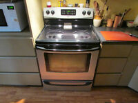 Kenmore ceramic top electric range in good working condition