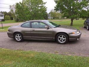 2002 Pontiac Grand Prix GT Coupe (2 door)