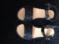 Ladies size 8 sandals /never worn