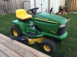 Lawnmower tractor John Deere