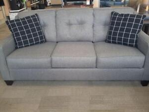 *** USED *** ASHLEY BRINDON CHARCOAL SOFA/LOVE   S/N:51244604   #STORE545