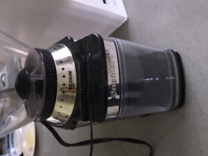 MOVING OUT SALE!!!Cuisinart Supreme Grind Automatic Burr Mill