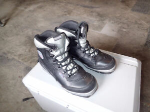 ALPINA   NNN BC cross country boots
