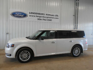 CPO 2018 Ford Flex, with 12 months extended warranty, Low KM!