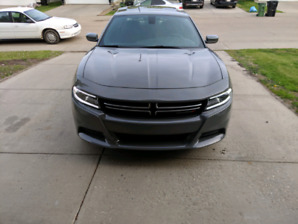 Dodge charger SE AWD 2017 FULL WARRANTY PRIVATE SALE NO GST