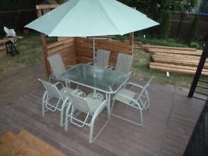 set Patio, table, 6 chaises et parasol