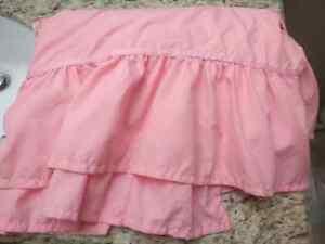 Pink Twin Bed Skirt Kitchener / Waterloo Kitchener Area image 1