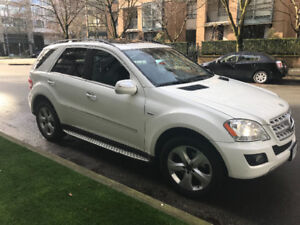 2010 Mercedes-Benz M-Class ML350 SUV, Crossover