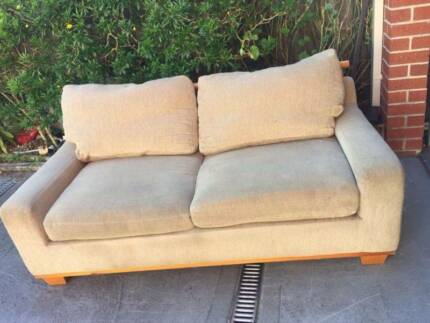 Nice fabric 3 seater sofa , can delivery at extra fee.   they are