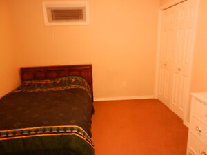 Room for rent - fully furnished- Student Only