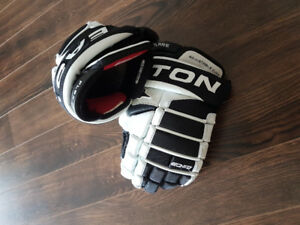 Easton EQ50 Flex Flare Hockey Gloves