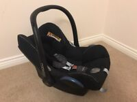 Maxi Cosi Baby Seat & Carrier JUST £20.00 DELIVERED TO YOUR DOOR