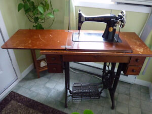 Machine a coudre antique