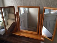 3 mirrored vanity mirror excellent condition