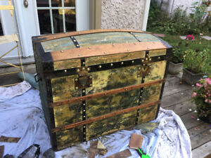 Antique coffre Malle trunk original paint
