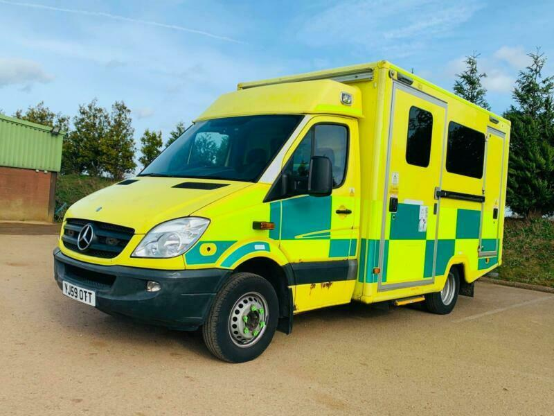 3f99690a31d6e8 MERCEDES-BENZ SPRINTER 519 CDI  AMBULANCE   BOX VAN  (2010)