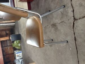 Chrome and vinly retro  chairs(4)