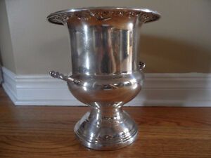 VINTAGE WM A. ROGERS S.P.BRASS SILVERPLATED WINE/CHAMPAGNE ICE B