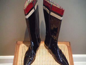 Burberry Patent Leather Riding Boots, New, size 41.5