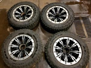 Ford Superduty F350 wheels w/ 275/65/20 duratracs