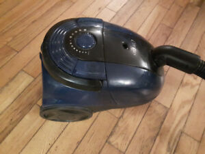 Like new cirrus cannister vacuum