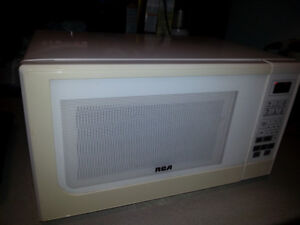RCA MICROWAVE PERFECT WORKING ORDER