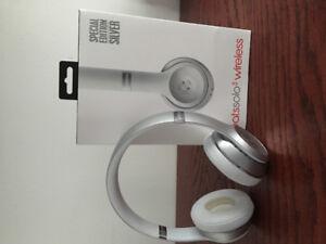 Brand new Beats solo 3 wireless headphones - silver