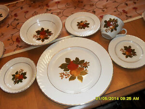 vaisselle pour 8 Enoch Wedgwood Tunstall dish set#01035 Rawdon