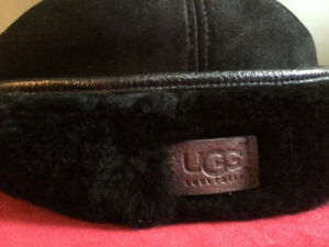 2 brand new genuine UGG hats. Size S/M