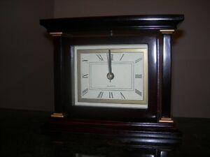 Quartz Swivel Clock & Wooden Frame. Brand new, battery operated Kitchener / Waterloo Kitchener Area image 2
