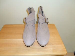 NEW- CUSHION WALK SUEDE SHOE BOOTIE - SIZE-9.5
