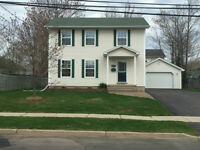 ***BEAUTIFUL NORTH END 2 STOREY HOUSE FOR RENT***