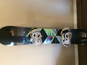 Almost new snowboard and boots Stratford Kitchener Area image 1