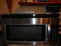 SS Whirpool Microwave/Hood in Very Good Condition-All in one