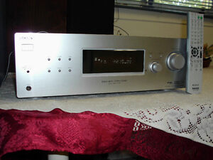 LARGE YAMAHA SUBWOOFER WITH 800 WATT RECEIVER