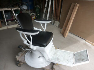 Antique Dental Pump Chair(Ritter)