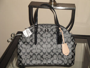 COACH PURSE - BRAND NEW W/TAGS (Paid OVER $350)