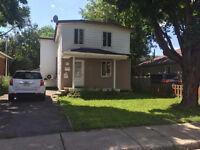 Maison à étages à vendre à Chomedey (Laval)