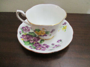 Royal Standard Lavender Lady English Teacup and Saucer Kitchener / Waterloo Kitchener Area image 1