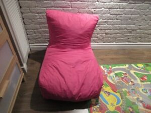 Fauteuil rose - style pouf